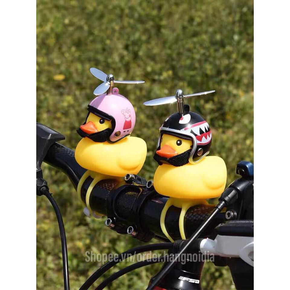 [Bán sỉ] Combo 10 Vịt gắn xe máy phát sáng có chong chóng và mũ bảo hiểm GDBEOA22