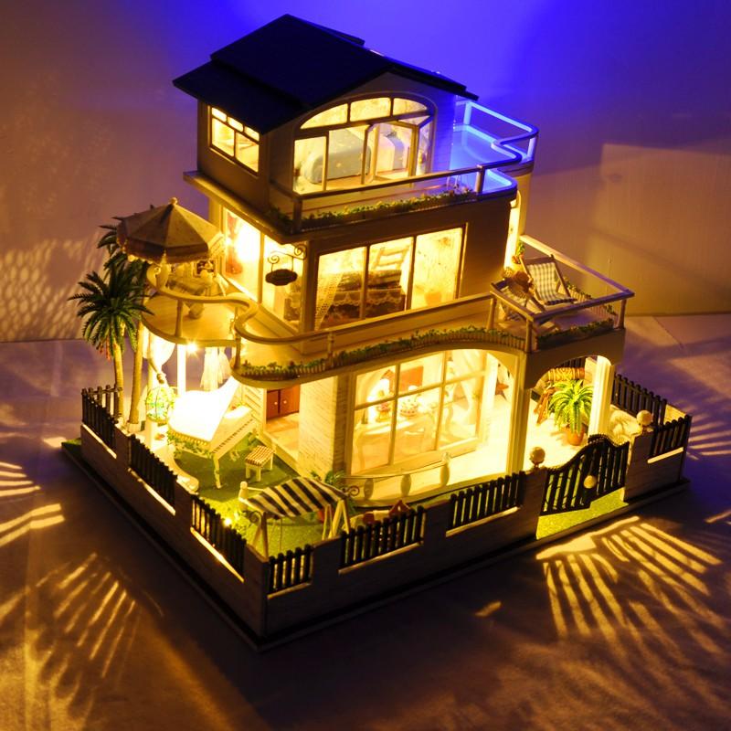 Nhà búp bê Impressed Vancouver ( tặng kèm hộp nhạc)