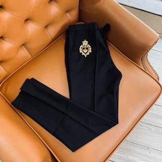 Quần tây nam phối logo Đá chất vải tuyết Hàn co giãn 4 chiều : Không nhăn – Không xù – Không bay màu