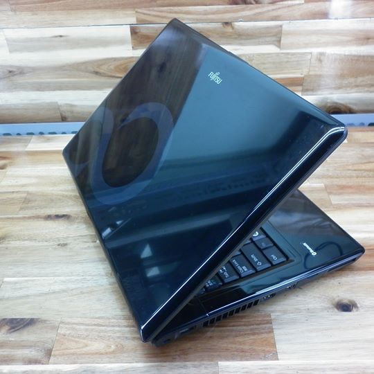 Laptop Fujitsu SD53, 14inch, có HDMI, webcam, bluetooth