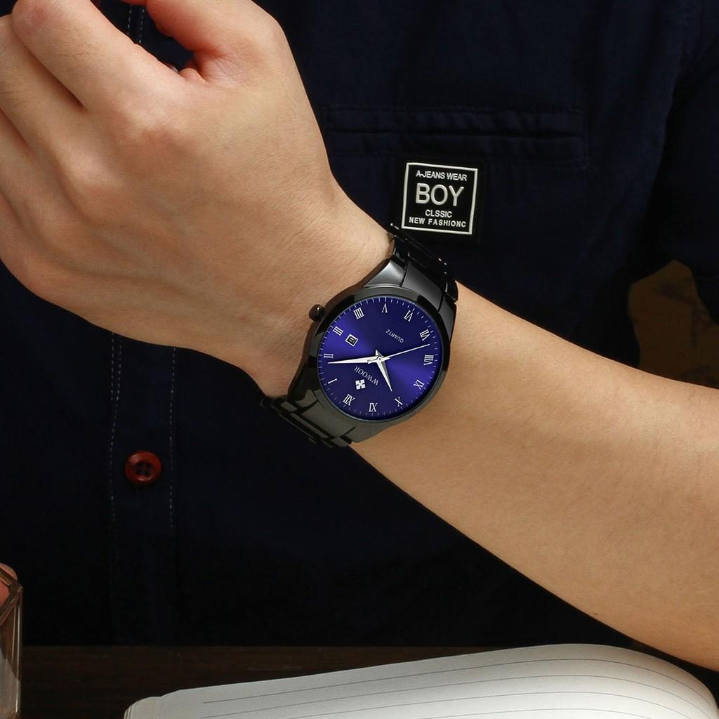 Đồng hồ Quartz WWOOR chống thấm nước kiểu dáng hợp thời trang có thể xem lịch 8830