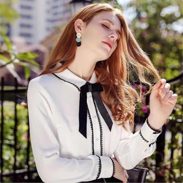 Áo sơ mi trắng cổ nơ đen - 2739552 , 1080891458 , 322_1080891458 , 350000 , Ao-so-mi-trang-co-no-den-322_1080891458 , shopee.vn , Áo sơ mi trắng cổ nơ đen