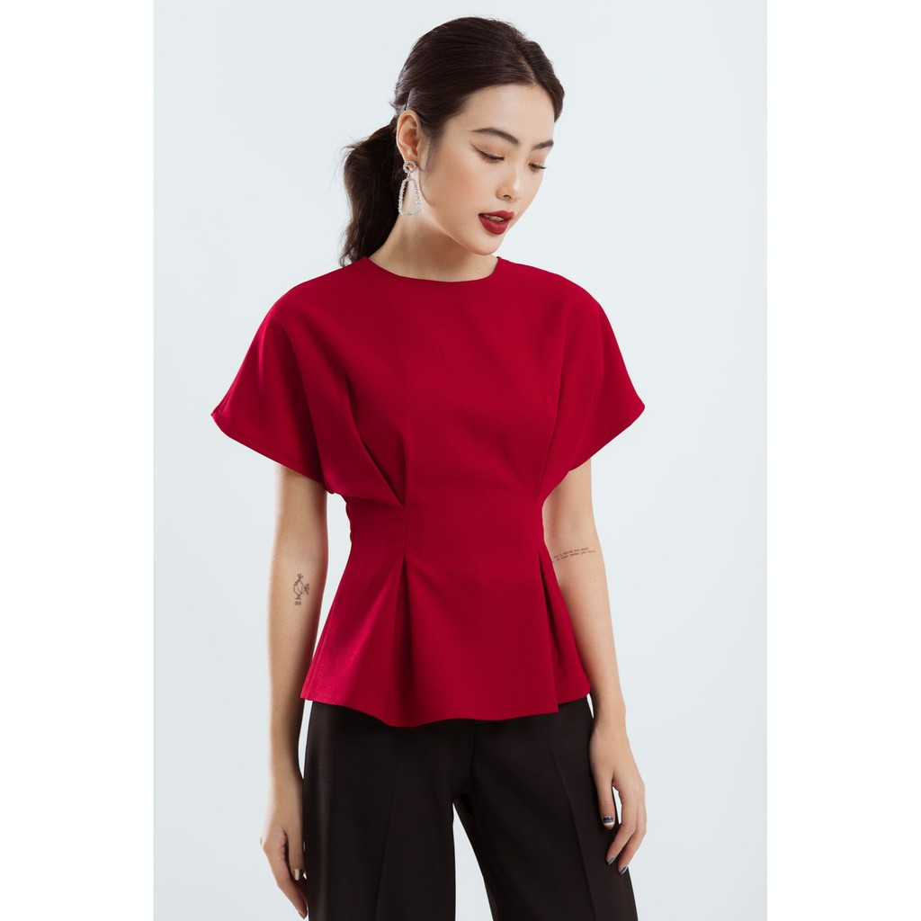 Áo đỏ xếp li eo EDINI