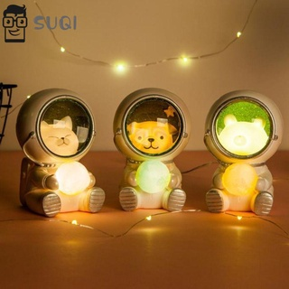 Đèn ngủ hình phi hành gia dễ thương sáng tạo