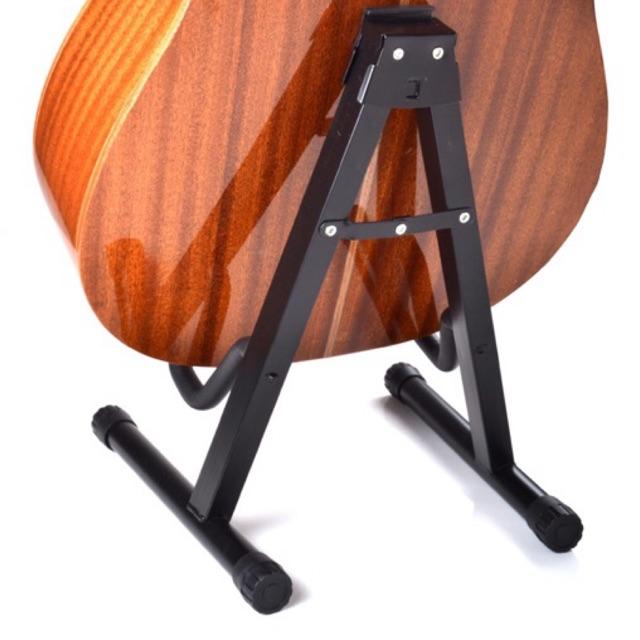 Chân để đàn guitar chữ A  nhỏ gọn chắc chắn giúp nâng đỡ cây đàn chất lượng Enzi