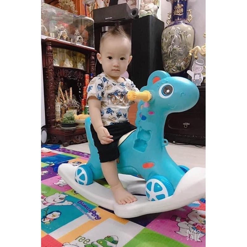 ngựa bập bênh – chòi chân cho bé