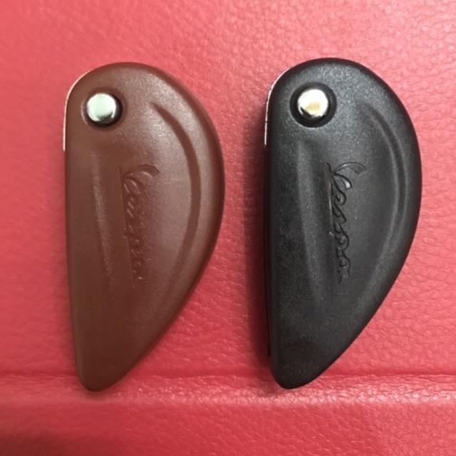 Chìa khoá VESPA 946 flip gập(có sẵn chip từ)đầy đủ 2 màu