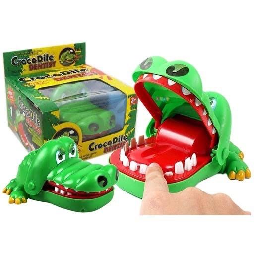 cá sấu cắn tay – khám răng cá sấu vui nhộn