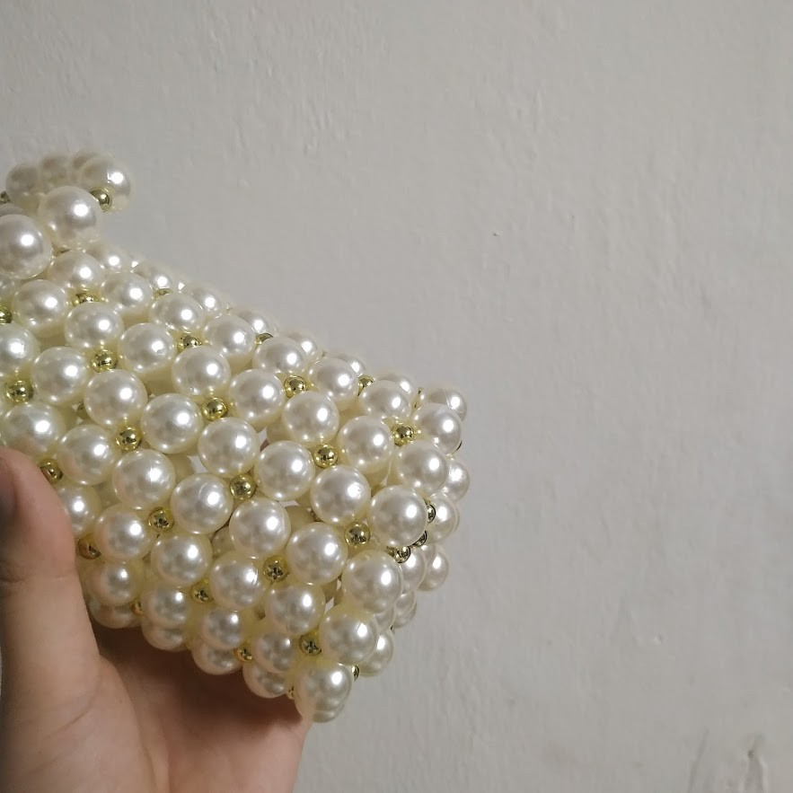 Túi xách nữ đáy tròn handmade làm bằng hạt cườm size 9x9x14cm