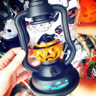 Đèn cầm tay Halloween dùng pin
