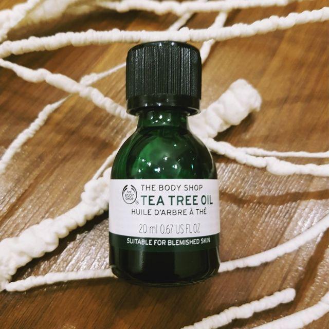 Tinh dầu trà trị mụn The Body Shop Tea Tree Oil 20 ml