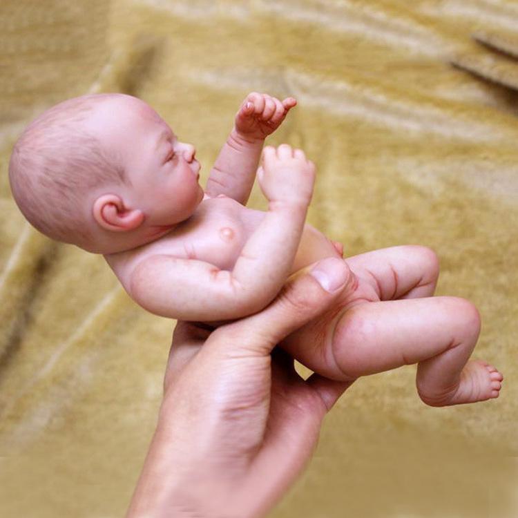 26cm Handmade Soft Vinyl Realistic Reborn Baby Doll Lifelike Nude Newborn Dolls