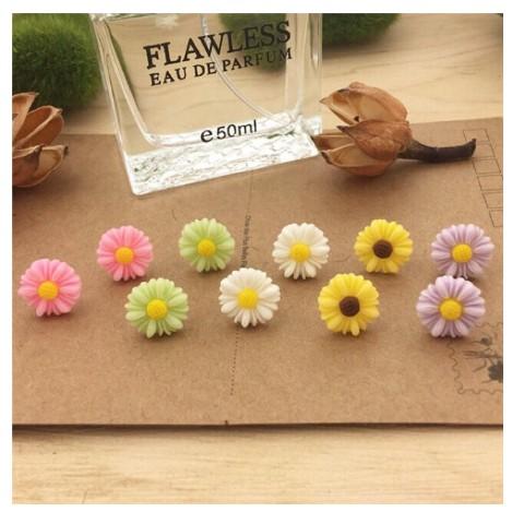 Bông tai hoa cúc nhiều màu dễ thương cho nữ ( chọn màu )