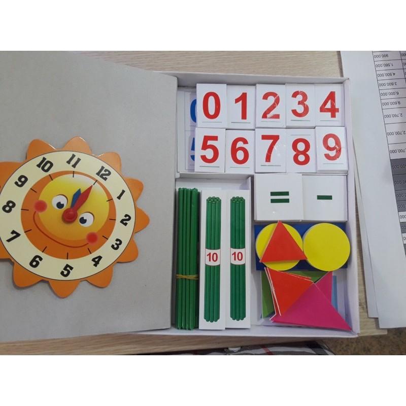Bộ toán và tiếng Việt lớp 1( từ tính ) có kèm hình khối.