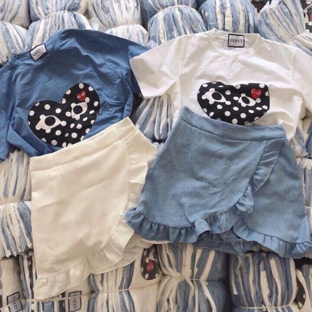 Set áo thun và chân váy bèo
