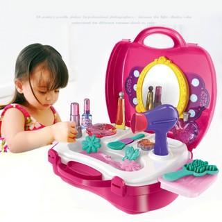 Thanh lý bộ đồ chơi trang điểm trang sức cho bé gái đựng trong vali nhựa (lỗi gãy cạnh)