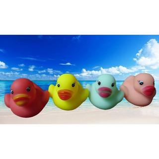 TTTĐồ chơi bồn tắm hình vịt cao su nhiều màu sắc
