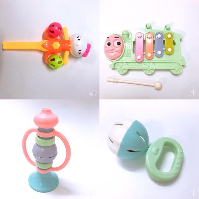 [SIÊU ĐẸP- nhiều MẪU] Đồ chơi lục lạc, xúc xắc, gặm nướu, tập cầm nắm cho bé phát triển trí thông minh