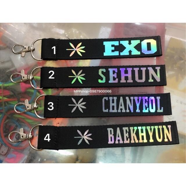 Nametag EXO :1 cái ( b nào chọn mẫu nào nhắn shop )
