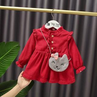 Váy đỏ chất liệu nhung tăm nhỏ cho bé gái phù hợp mùa đông và diện Noel xinh