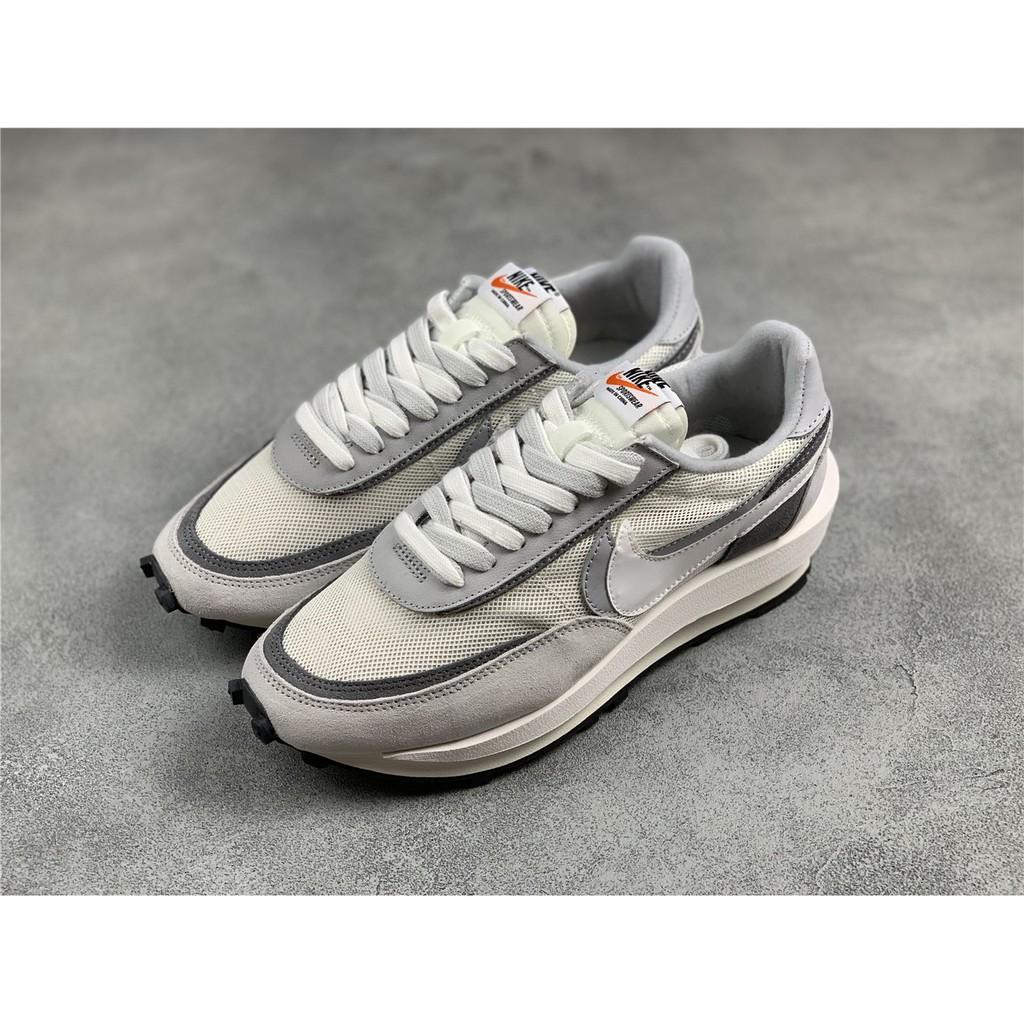 แท้ Nike sacai Waffle Daybreak รองเท้าลำลอง รองเท้าวิ่ง รองเท้ากีฬา JI48343