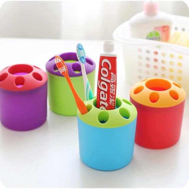 Dụng cụ đựng bàn chải và kem đánh răng nhiều màu sắc