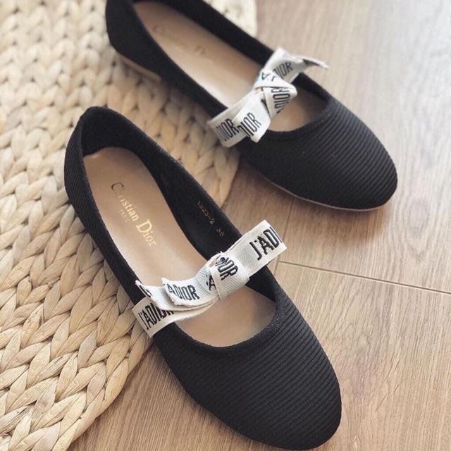 Giày bệt dây chữ trắng hot hit