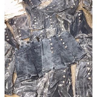 Quần sort jean nút lưng cao Form lưng cao chuẩn đét, mặc áo nào cũng xênh nha. Mix ti tỉ kiểu cá tính, năng động:blush::