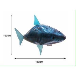 Cá mập khổng lồ biết bay