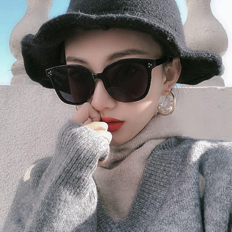 Kính mát gọng vuông chống tia UV400 dành cho nữ