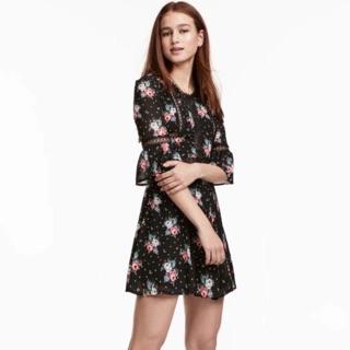 Váy H&M auth