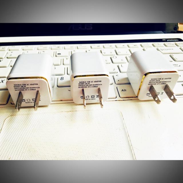 Cốc sạc cho máy trợ giảng không dây 2 cổng sạc: 2.1A và 1.0A