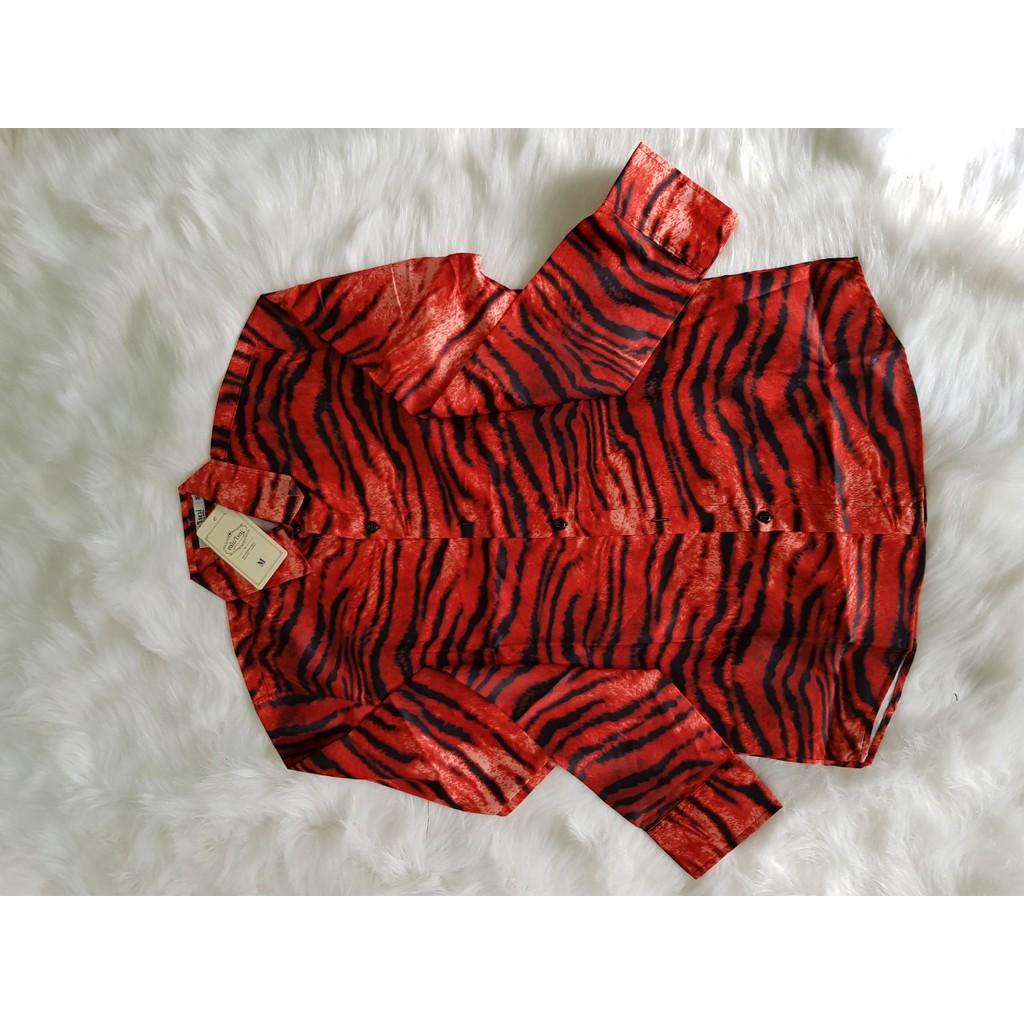 áo  sơ mi nam nữ chất lụa dài tay phối họa tiết da beo siêu kinh điển hai màu vàng, đỏ- Sơ mi dài tay