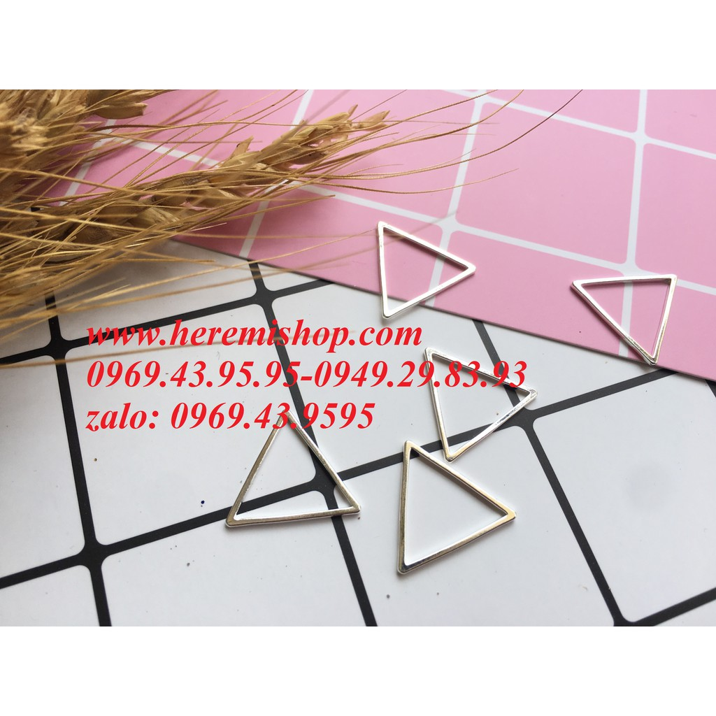 Mặt hình tam giác 5 mặt có sỉ/đồ làm khuyên tai/vòng tay/mặt hình học - 2785680 , 1064488569 , 322_1064488569 , 10000 , Mat-hinh-tam-giac-5-mat-co-si-do-lam-khuyen-tai-vong-tay-mat-hinh-hoc-322_1064488569 , shopee.vn , Mặt hình tam giác 5 mặt có sỉ/đồ làm khuyên tai/vòng tay/mặt hình học