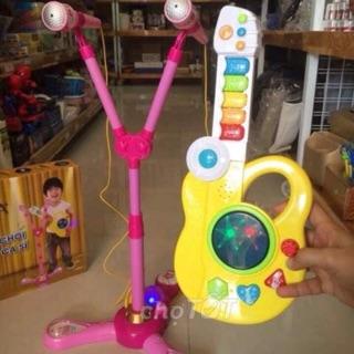 Bộ đồ chơi bé tập làm ca sĩ
