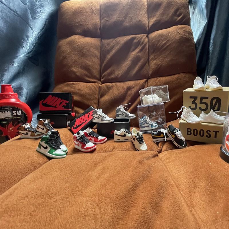 Móc khóa giày sneaker Jordan 1 FREE SHIP Mô hình giày sneaker mini tỉ lệ 1:6