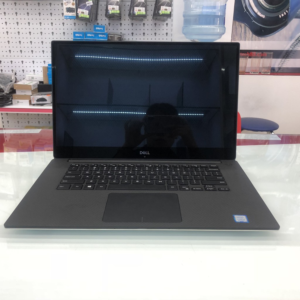 Laptop Dell Precision M5530