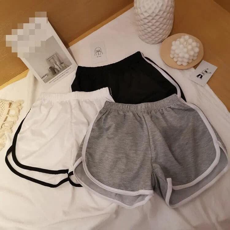Quần đùi short nữ mặc nhà thiết kế sọc viền thể thao bên hông co giãn thoải mái thich hợp mặc nhà, tập gym.