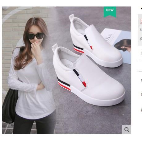 Giày lười nữ dấu đế chất da mềm cao cấp với 2 gam màu trẻ trung