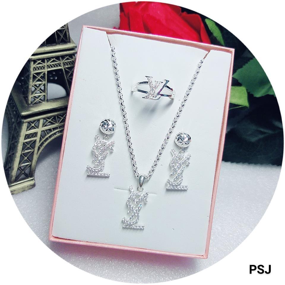 Set bộ trang sức bạc cao cấp (Nhẫn + Dây chuyền + Mặt + Bông tai) - 15336712 , 1690612978 , 322_1690612978 , 800000 , Set-bo-trang-suc-bac-cao-cap-Nhan-Day-chuyen-Mat-Bong-tai-322_1690612978 , shopee.vn , Set bộ trang sức bạc cao cấp (Nhẫn + Dây chuyền + Mặt + Bông tai)