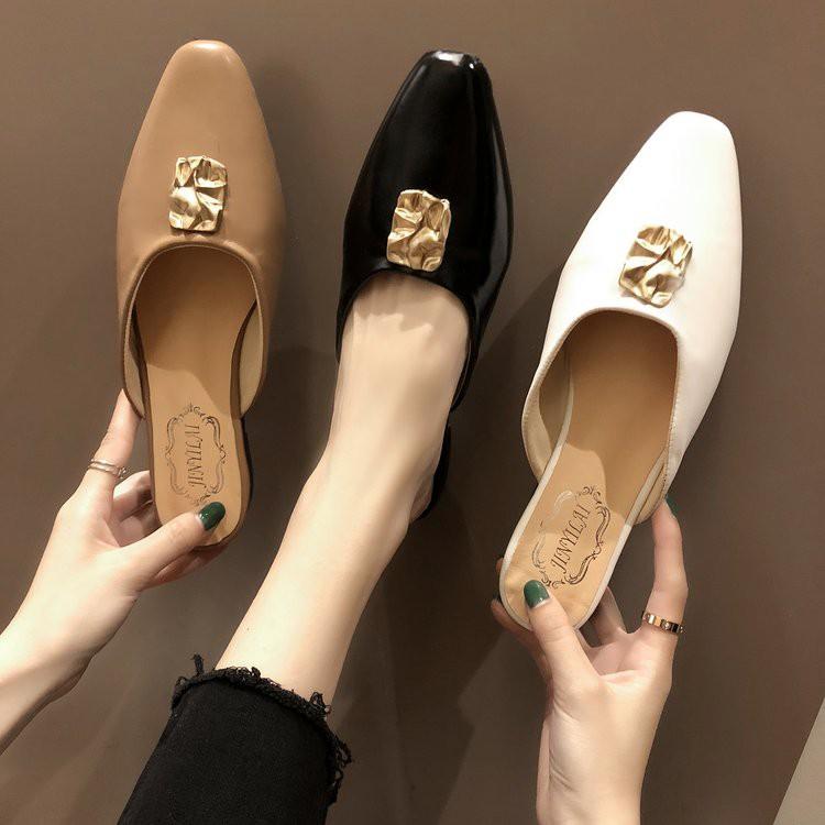 giày bít mũi vuông thời trang cho nữ
