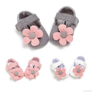 Giày đế mềm chống trượt đính hoa xinh xắn cho bé gái