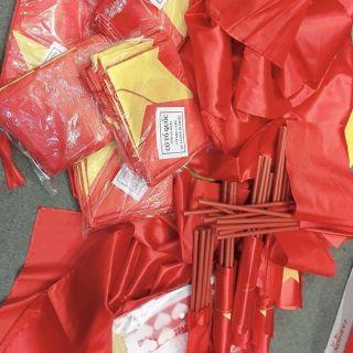 Combo 100 cờ vẫy cờ đỏ sao vàng