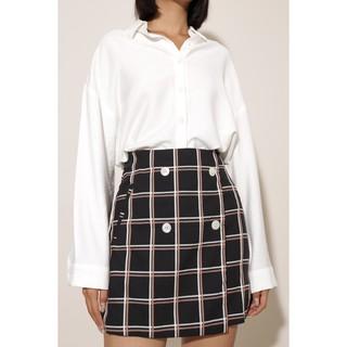 Chân váy nữ kẻ ô đính nút thời trang GAGO button front checked mini skirt màu đen GO3199 thumbnail