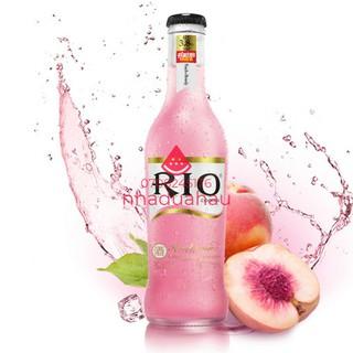 Một chai nước ép Cocktail trái cây Rio Hongkong chai thủy tinh 275ml