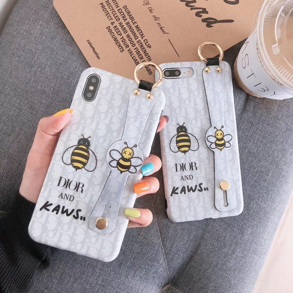 Kaws bee Soft Case Iphone X XR XS max 6 6s 7 8Plus Wristband Silicone Cover