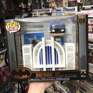 Mô hình Funko Batman with the hall of justice chính hãng ship Us