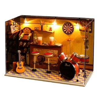 Mô hình gỗ nhà búp bê Green's Bar (Mica+keo)