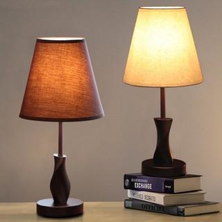 Đèn ngủ để bàn thân gỗ chụp đèn bằng vải phong cách decor vintage có sẵn