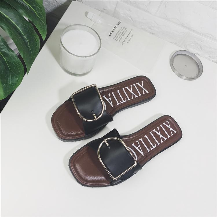 women sandalEuropean and American wind fashion belt buckle slippers women's summer Korean version of the metal one word